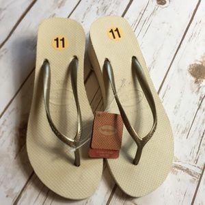 Havaianas Sandals Womens Size 11 Slip On Platforms